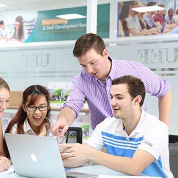 Sức hút của ngành Quản trị kinh doanh UEF