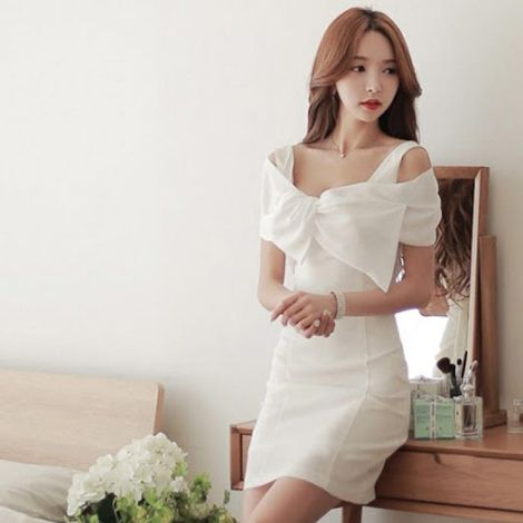 Đầm body White Bow