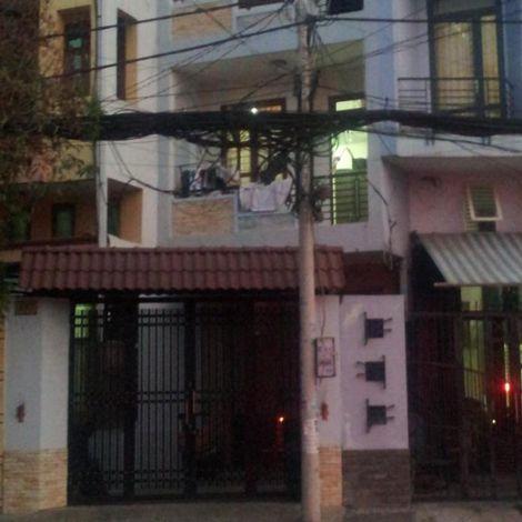 Cho thuê nhà nguyên căn ngay mặt tiền đường Chợ Lớn