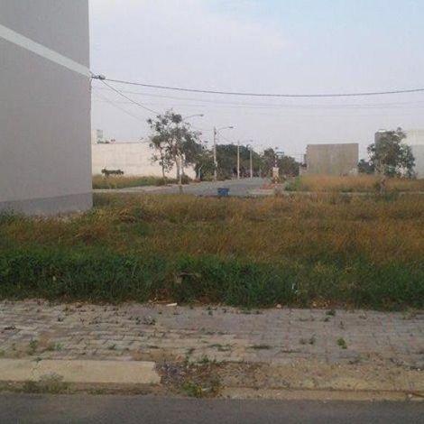 Nền đất thổ cư 80m2 mặt tiền đường Trần Văn Giàu