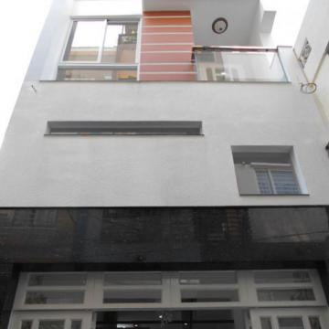 Nhà mới xây năm 2015 đường Tô Hiến Thành quận 10