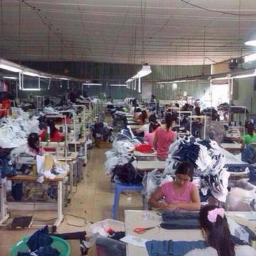 Xưởng may chuyên bỏ sỉ hàng thời trang nữ