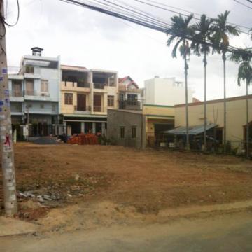 Sang 3 nền đất Thảo Điền quận 2 gần sông Sài Gòn