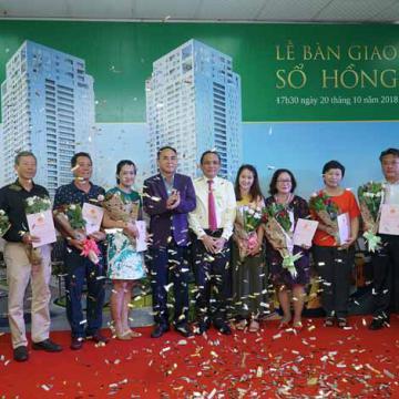 Công ty CP Địa Ốc & Xây Dựng SSG2 trao sổ hồng cho cư dân
