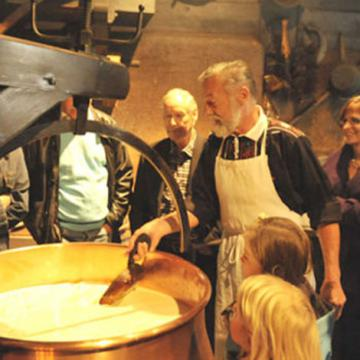 Du lịch Thụy Sĩ, Ý - tour văn hóa và đặc sản ẩm thực