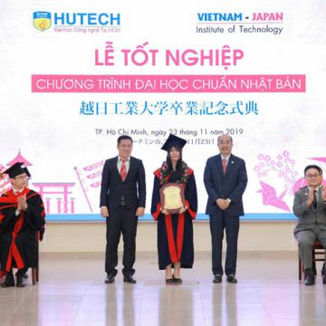 Long trọng lễ tốt nghiệp khóa đầu tiên chương trình Đại học theo chuẩn Nhật Bản