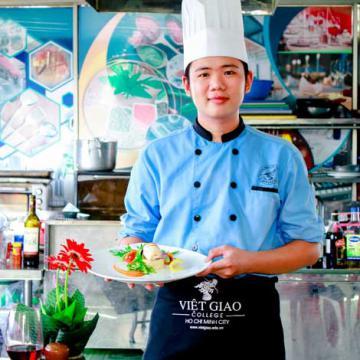 Việt Giao tuyển sinh các ngành có nhu cầu nhân lực cao
