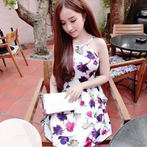 Đầm cổ yếm form xòe Flower
