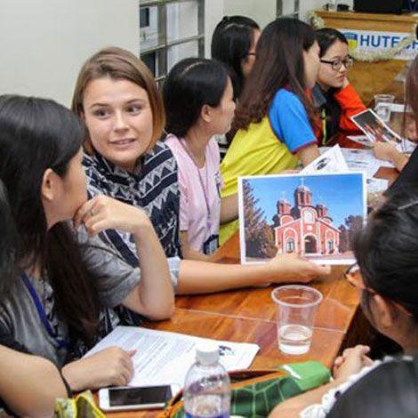 Học Ngôn ngữ Anh nắm bắt cơ hội việc làm đa dạng