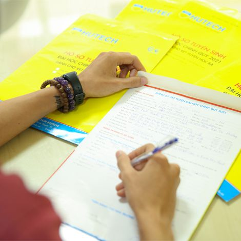 Vé cuối vào đại học - phương thức xét tuyển học bạ đến 30-9 hút thí sinh