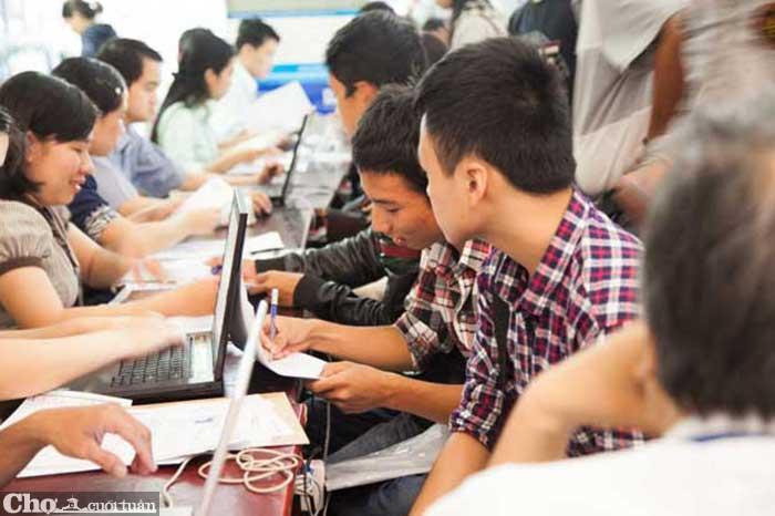 Đông đảo thí sinh xét tuyển học bạ vào ĐH Duy Tân năm 2020