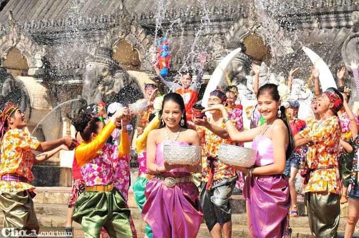 Khám phá lễ hội té nước Thái Lan từ 3,9 triệu đồng