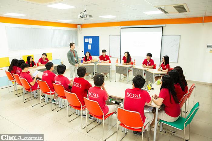Thỏa sức trải nghiệm, khám phá thế giới và rèn luyện tiếng Anh