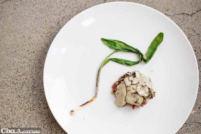 Cặp đôi bếp trưởng Sao Michelin huyền thoại đến TP.HCM