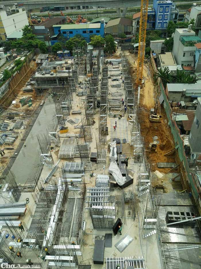 Ký hợp đồng mua bán căn hộ Bcons Miền Đông