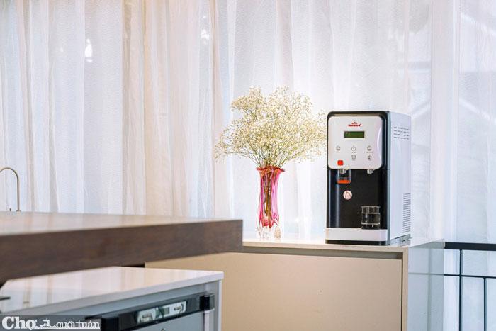Máy lọc nước điện giải nóng lạnh ROBOT, công nghệ Hàn Quốc, giá bùng nổ