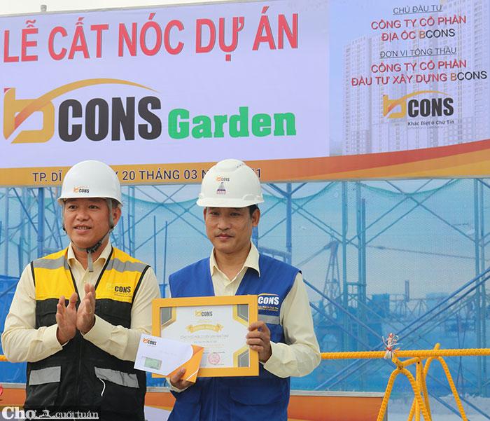 Vượt tiến độ 30 ngày, Bcons Garden chính thức cất nóc