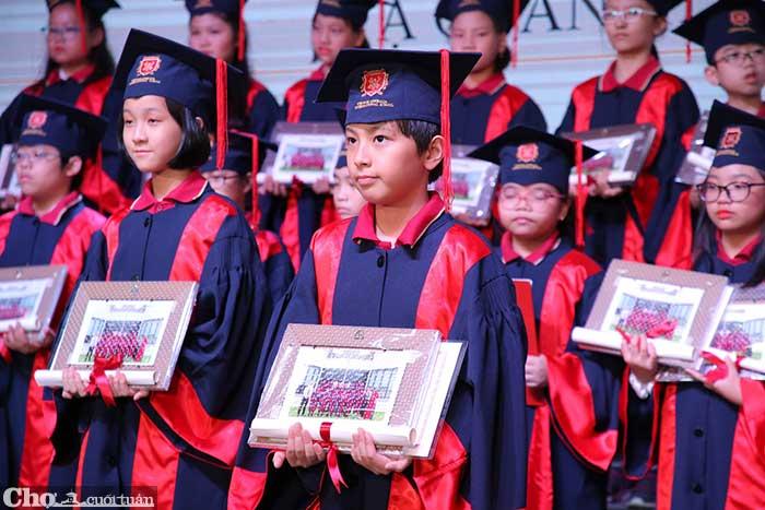 14 học sinh VAS đoạt học bổng du học tại Mỹ, Anh và Hà Lan