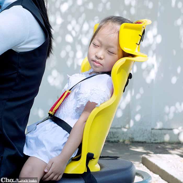 Ghế ngồi xe máy Beesmart X2 lắp phía sau cho bé