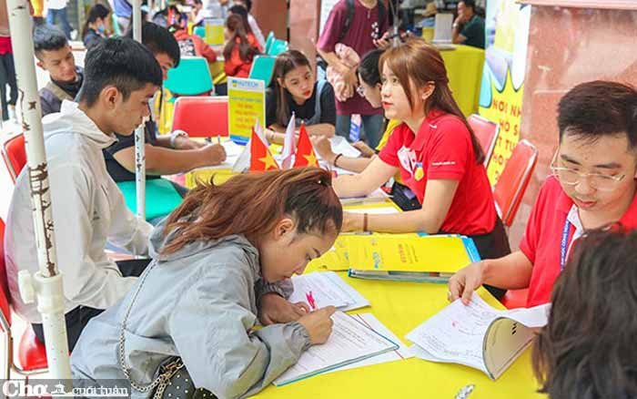 Nhiều thí sinh tăng nguyện vọng đại học bằng xét tuyển học bạ