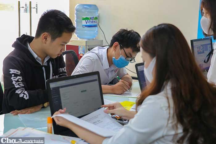 HUTECH xét học bạ đến 15-8, cơ hội chắc suất trước kỳ thi